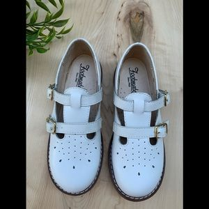 Footmates girls white dress shoe NEW